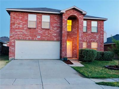 Fort Worth Single Family Home For Sale: 1904 Kittredge Way