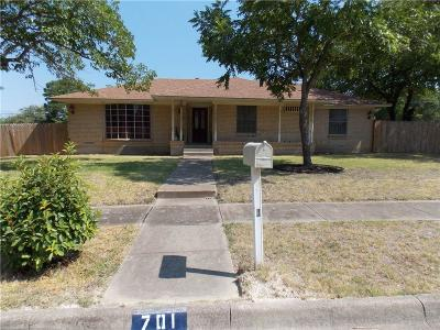 Lancaster Single Family Home For Sale: 701 Waynelee Drive