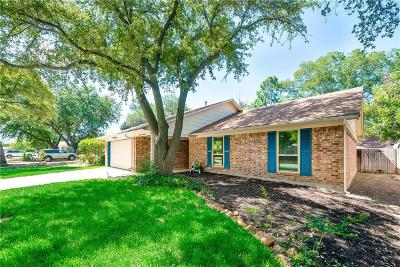 Bedford, Euless, Hurst Single Family Home For Sale: 1621 Winchester Way