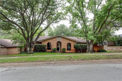 Arlington Single Family Home For Sale: 2211 Crooked Oak Court