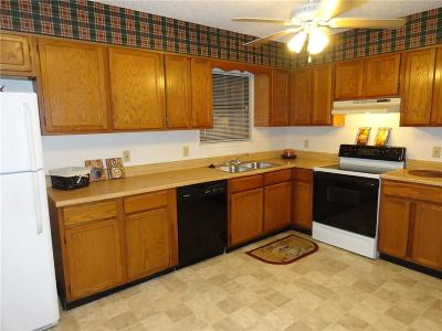 North Richland Hills Residential Lease For Lease: 6321 Richland Plaza Drive