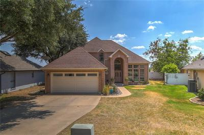 Parker County, Tarrant County, Hood County, Wise County Single Family Home Active Contingent: 725 Aqua Vista Drive