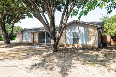 Watauga Single Family Home For Sale: 6801 Bennington Drive