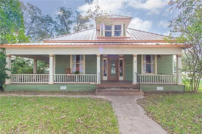 Ennis Single Family Home For Sale: 607 Brown Street