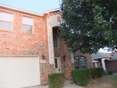 Fort Worth Single Family Home For Sale: 9016 Weller Lane