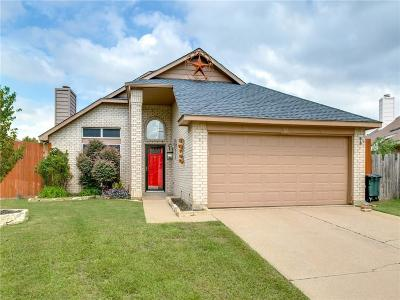 Haltom City Single Family Home For Sale: 4117 Brook Ann Court