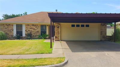 Saginaw Single Family Home For Sale: 417 Greenway Drive