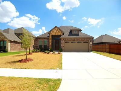 Saginaw Single Family Home For Sale: 617 Ravenwood Drive