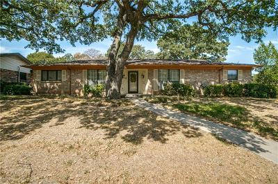 Hurst Single Family Home For Sale: 1417 Wreyhill Drive