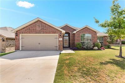 White Settlement Single Family Home For Sale: 1521 Carol Drive