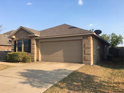 Tarrant County Single Family Home For Sale: 1620 Quail Springs Circle