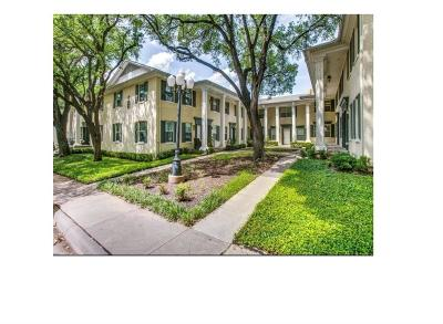 Oak Lawn Condo For Sale: 4746 Bradford Drive