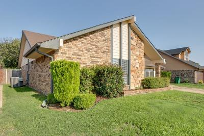 Watauga Single Family Home For Sale: 7716 Pear Tree Lane