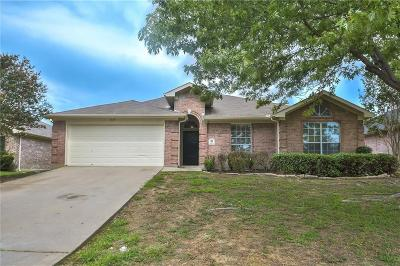Mansfield Single Family Home For Sale: 1613 Crestmeadow Lane