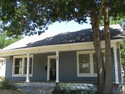 Sherman Single Family Home For Sale: 915 W Houston Street