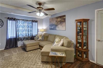 Bedford, Euless, Hurst Single Family Home For Sale: 924 Nelson Terrace