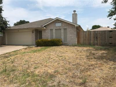 Weatherford Single Family Home Active Option Contract: 202 Lancelot Drive
