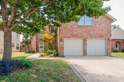 Grapevine Single Family Home For Sale: 2717 Magnolia Lane