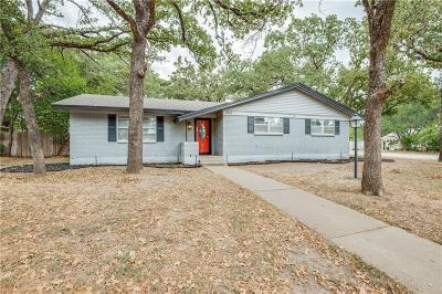 Hurst Single Family Home For Sale: 520 Brookview Drive