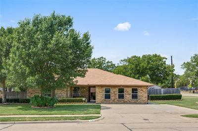 Irving Single Family Home Active Contingent: 1701 Coral Rock Court