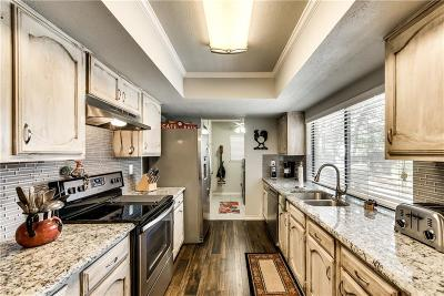 Bedford Single Family Home For Sale: 2232 Cottonwood Lane