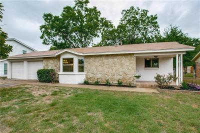 Bedford Single Family Home For Sale: 2001 Natchez Avenue