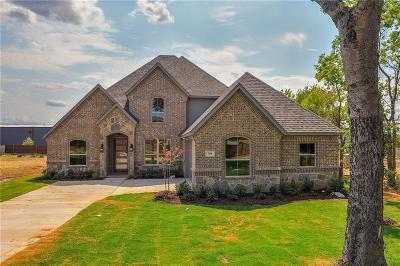 Kennedale Single Family Home Active Option Contract: 704 Mansfield Cardinal Road
