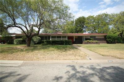 Richland Hills Single Family Home Active Contingent: 3544 Landy Lane