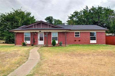 Irving Single Family Home For Sale: 3805 Calgary Court E