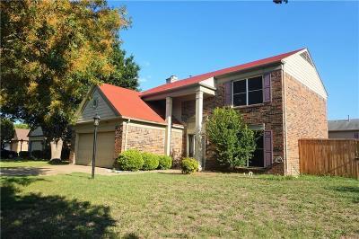 Grand Prairie Single Family Home For Sale: 403 Newberry Street
