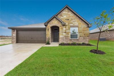 Weatherford Single Family Home For Sale: 2505 Doe Run