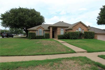 Euless Single Family Home For Sale: 317 Lexington Lane