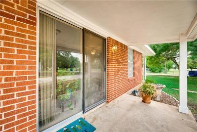 Navarro County Single Family Home For Sale: 300 E Granger Street
