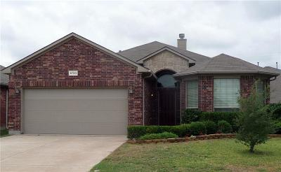 Fort Worth Single Family Home For Sale: 5733 Paluxy Sands Trail