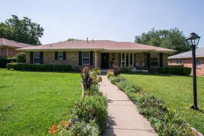 Dallas Single Family Home For Sale: 4858 Hazelhurst Lane