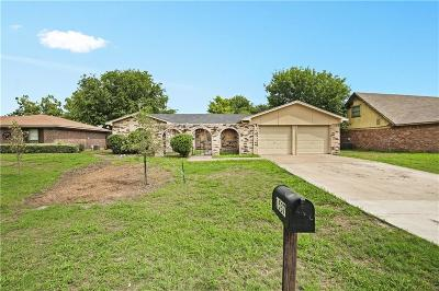 Benbrook Single Family Home For Sale: 1537 Timberline Drive