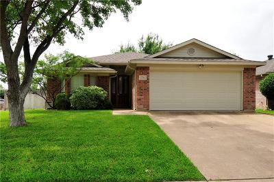 Arlington Single Family Home For Sale: 5706 Blue Meadow Trail