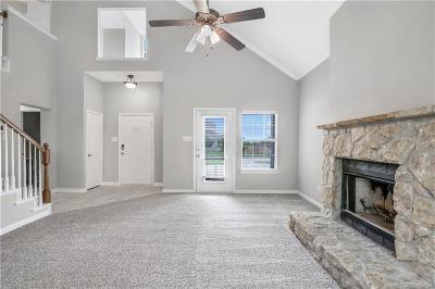 Midlothian Single Family Home For Sale: 925 Willow Crest Drive