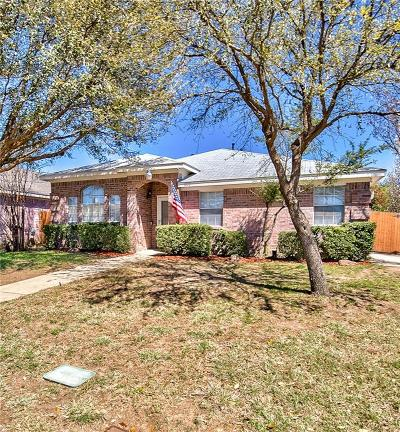 Fort Worth Single Family Home For Sale: 1853 Cedar Tree Drive