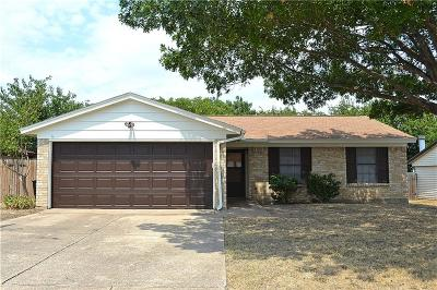 Single Family Home For Sale: 9904 Alemeda Court
