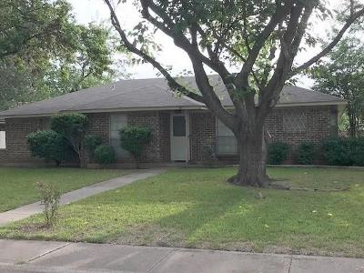 Cedar Hill Single Family Home For Sale: 803 Monique Court