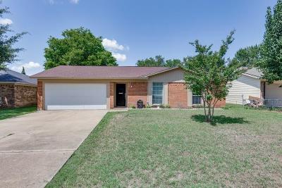 Grand Prairie Single Family Home For Sale: 2426 February Lane