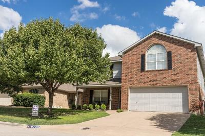 Fort Worth Single Family Home For Sale: 9748 Stoney Bridge Road