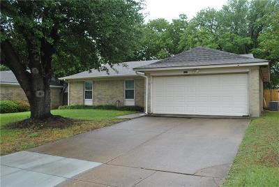 Haltom City Single Family Home For Sale: 5732 Brent Drive