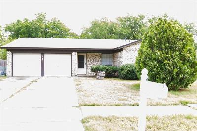 Everman Single Family Home For Sale: 716 Plymouth Drive