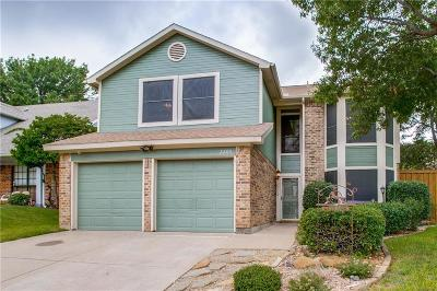 Grapevine Single Family Home For Sale: 2205 Chatam Hill Street