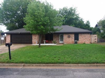 Burleson Single Family Home For Sale: 709 Barbara Lane