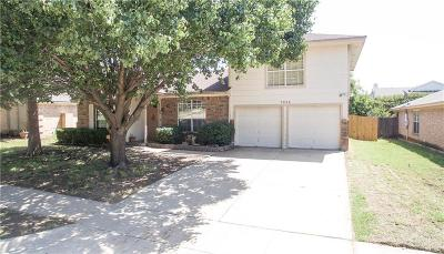 Benbrook Single Family Home For Sale: 7205 Woodhinge Drive