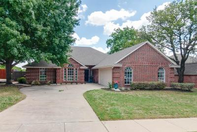 Tarrant County Single Family Home For Sale: 7656 Bridlewood Court