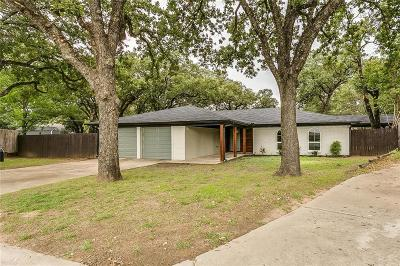North Richland Hills Single Family Home For Sale: 6913 Daniel Court